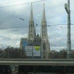 Iglesia Votiva desde el tranvía