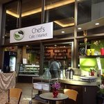 Photo de Chef's Cafe and Market
