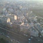 Le quartier Montparnasse avec son cimetière à droite