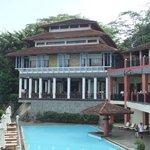 Hôtel et piscine