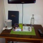 angolo tv e caffe'in camera