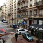 Victor Hugo street; pedestrian mall.