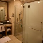 amazing bathroom, do read the notice on the shower door, towel changing instructions!