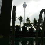 Башня Менара - вид из бассейна