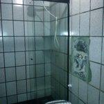 Banheiro um nojo quebrado