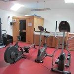 Sauna,Jacuzzi and Gym .
