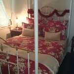 Gorgeous four post brass bed