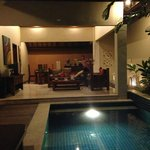 livingroom/kitchen/pool