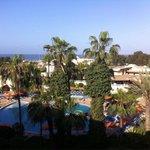 Vue depuis notre chambre: piscine, océan!