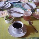 Desayuno rico y siempre puntual!!