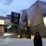 Guggenheim de Bilbao. Es impactante, inmenso una gran obra de arquitectura, me encantó y la expo