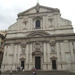 Fachada da Igreja de Jesus em estilo barroco