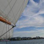 Sailing towards sunet