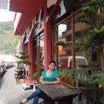 Exterior del restaurante en Baños de Ambato..