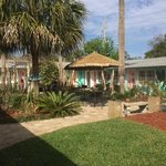 Enclosed courtyard, great view, safe for kids, street privacy