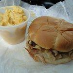 Chicken sandwich with mac & cheese