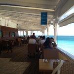 O famoso e imbatível Sunset Café com seu staff e cozinha francesas !
