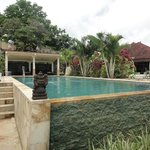 swimming pol 2 and pool house