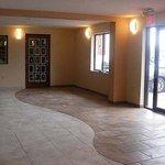 Magnuson Hotel Kissimmee Maingate Lobby