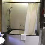 bathroom, bit compact, but do able