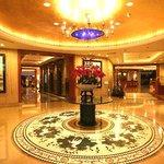 Foto Monarch Plaza Hotel