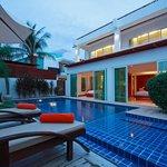 Beach Grand Pool Villa
