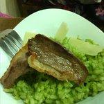 Risoto de espinacas con magret de pato