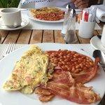 exemple de petit déjeuner très copieux