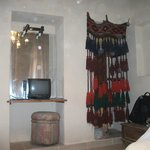 Decoration in room (Dusty n Stained)