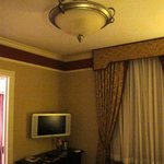 Guest room - light fixture