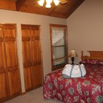 2nd bedroom -pedistal unit