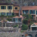 Vue partielle de l'hôtel photographiée depuis Collioure