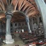 Interior Cripta Gaudí