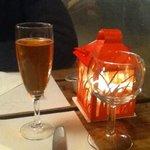 Kir Cidre mit Rosensirup