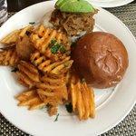 Crowne Burger