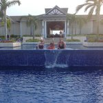 Infinity pool close to the lobby