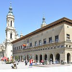 Zaragosse. Place du Pilar