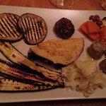 Antipasto vegetariano...ottimi i finocchi, la zucca in agrodolce, la creps di spinaci, il tortin