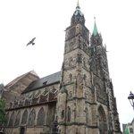 13~15世紀に建てられたゴシック様式の聖ローレンツ教会