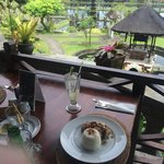 Incredible view of the water palace - while enjoying a delicious lunch!