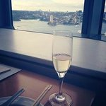 Champagne - Horizon Club Lounge