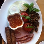 For those on the slimming world diet Pete & Lynne do a great syn free breakfast