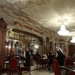 Petit-déjeuner au New York Cafe