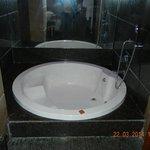 Jacuzzi bathtub