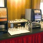 Buffet delle bevande a colazione