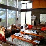 The main guest lounge at Sangoma Retreat
