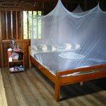 Geräumiger Holzbungalow, nach 3 Tagen frisches Bettzeug
