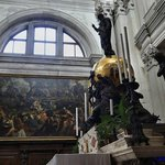 Главный алтарь и картина Тинторетто