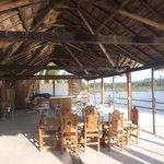 Terrasse sur la lagune.