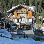 Зимний Альпийский пейзаж.
